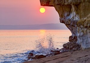 Hive Beach splash (landscape)